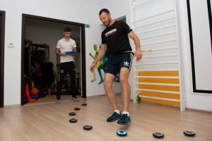 Antrenamentul agilitatii si vitezei de reactie este necesar multor sportivi. In clinica Superfit se face cu ajutorul sistemului FitLight, care nu doar ca este eficient, dar este si foarte distractiv.